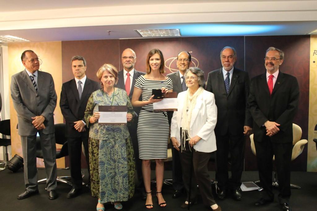 A entrega do Prêmio Capes de Tese e do Grande Prêmio Capes de Tese 2014, ocorreu no dia 10 de dezembro, em Brasília.